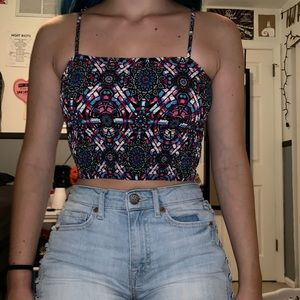 pattern crop tank top 🌺